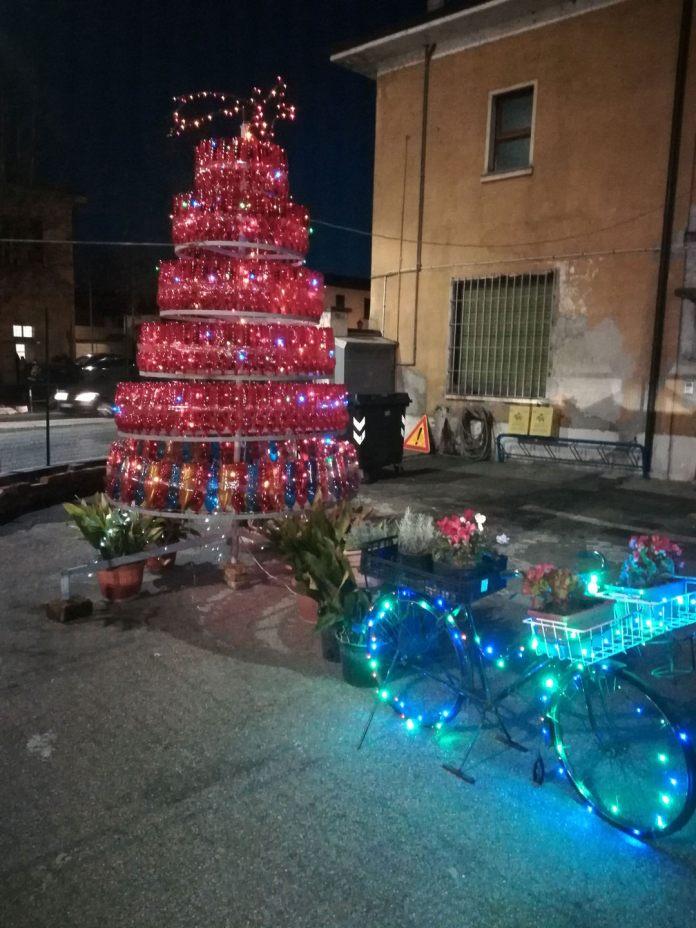 Albero di Natale ecologico a San Martino di Trecate