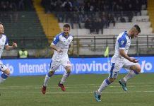 Novara sconfitto ad Avellino per 2 a 1. Calderoni esulta dopo il gol