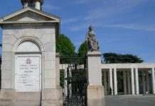 Cimitero di Novara oggi chiuso per neve