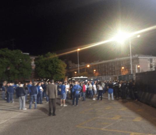 Novara retrocesso in serie C contestazione fuori dallo stadio