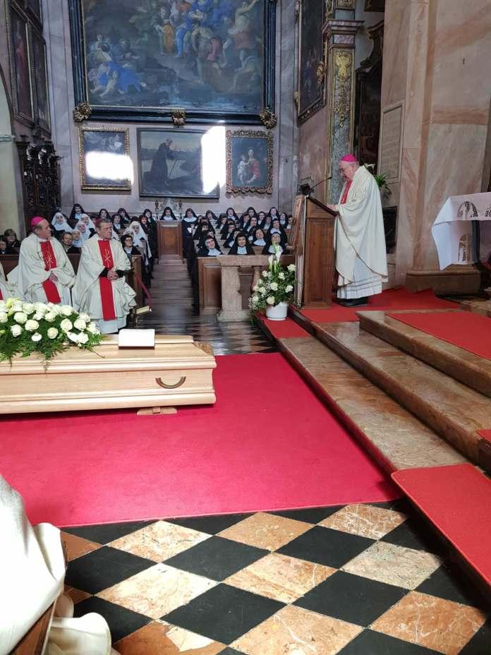 Funerale Madre Anna Maria Canopi