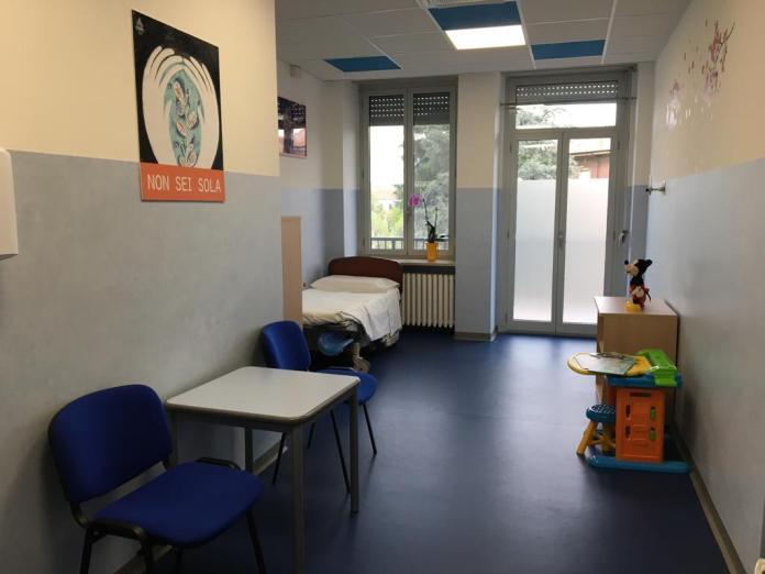 stanza per donne vittime di violenza in ospedale a Novara