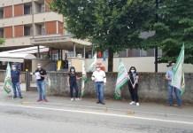 Presidio per ricordare vittime Rsa davanti Opera pia Curti Borgomanero