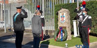 l'omaggio al monumento ai caduti dell'Arma presso il comando provinciale di Verbania