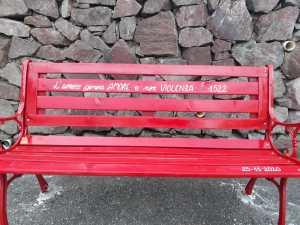 panchina rossa ara