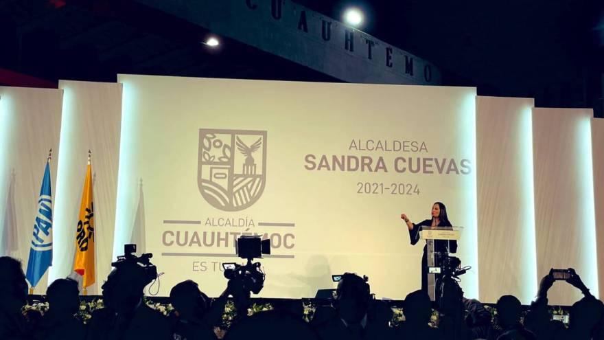 "Sandra Cuevas tiene ""glamurosa"" toma de protesta en la Cuauhtémoc"