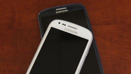 هل تخطط SAMSUNG لأطلاق نسخة مصغرة أيضًا Galaxy S IV؟