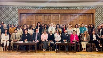 """صورة إطلالة وردية ل"""" جمعية سحر الحياة"""" بمقر جامعة الدول العربية للتوعية بسرطان الثدي"""