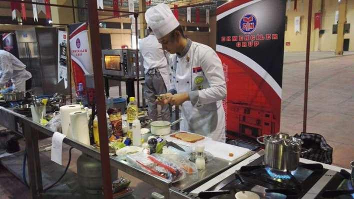 """شيف """"هيثم حميد"""" تعايشت مع ثقافات متعددة وحلمي تأسيس مطعم كبير بالعراق"""