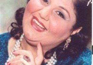 """صورة """"أنجيل أرام"""" أدت العمرة 8 مرات ووالدتها مصرية من الصعيد"""