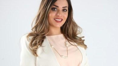 """صورة """" نور الجابري """" تقدم دروس في تفريش البيوت والمكاتب على قناة سكاي نيوز عربية"""