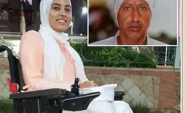 """صورة حكاية """"سمر"""" ووالدها """"عبد المحسن"""" أصيبت بالشلل فحملها على كتفيه من المدرسة حتى الجامعة"""