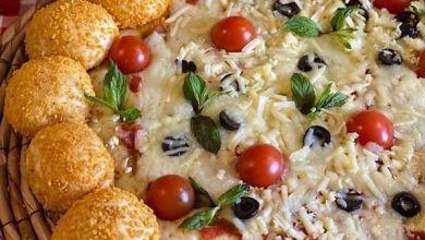 صورة بيتزا بطريقة شهية مع شيبس الدوريتوس
