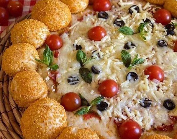 بيتزا مع شيبس الدوريتوس