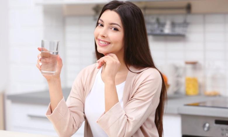 حيل بسيطة تساعدك على شرب الماء في فصل الشتاء
