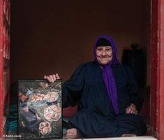 """صورة الجدة حمامة"""" تعلمك الرضا والقناعة والبساطة"""