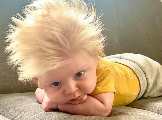 """تعرف ما السبب وراء شهرة الطفل ديفيد دورونينا في بريطانية """"صور وفيديو """""""