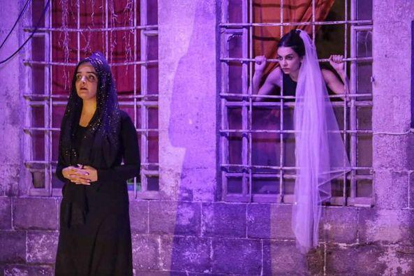 """مسرحية """" المسرحية"""" رسالة لكل امرأة أن تنهض بقرار الإرادة والقوة"""