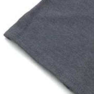 袖口・裾は型崩れしにくいダブルステッチ仕様