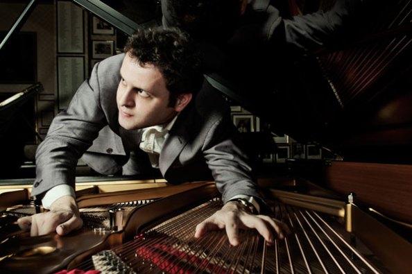 adamkay-pianoclimb