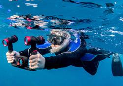 Diver with SeaLife underwater camera