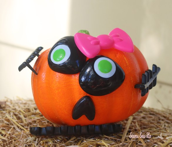 Easy Pumpkin Decorating for Kids and Toddlers Girls with Pink Bow