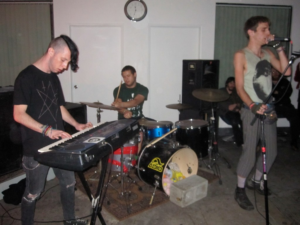 Monday photos: Shower, Kevin Greenspon, W.H.I.T.E. at Pehrspace