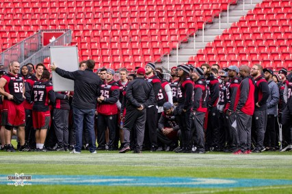 greycup104-2016-redblacks-walkthrough-costello-6029