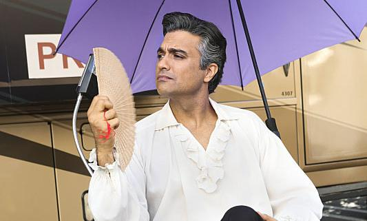 "Jaime Camil as Rogelio de la Vega on ""Jane the Virgin"""