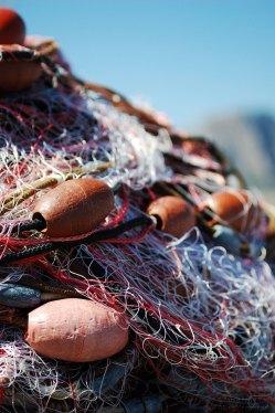 Le reti da pesca al sole pronte per essere caricate in barca