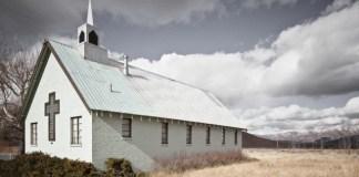 Cinco benefícios de frequentar a igreja