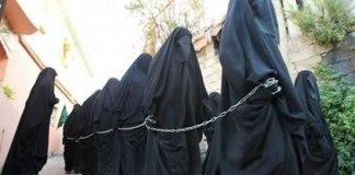 Estado Islâmico leiloa meninas cristãs
