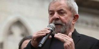 """""""Sou muçulmano e não comento sobre política no sábado"""", diz Lula em tom de brincadeira"""
