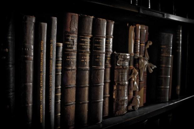 10 livros que você deveria ter em sua biblioteca