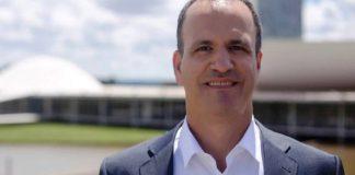 Dr. Guilherme Schelb ministra em curso na Assembleia de Deus em Campo Grande