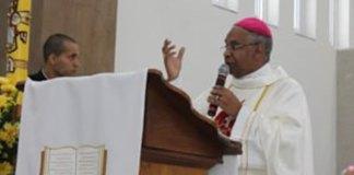 """Bispo católico gera polêmica ao dizer que """"homossexualidade é dom de Deus"""""""