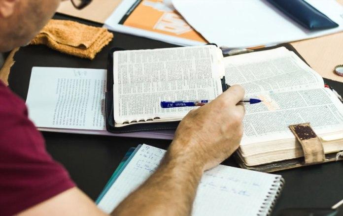 Treinamento de Pastores e líderes
