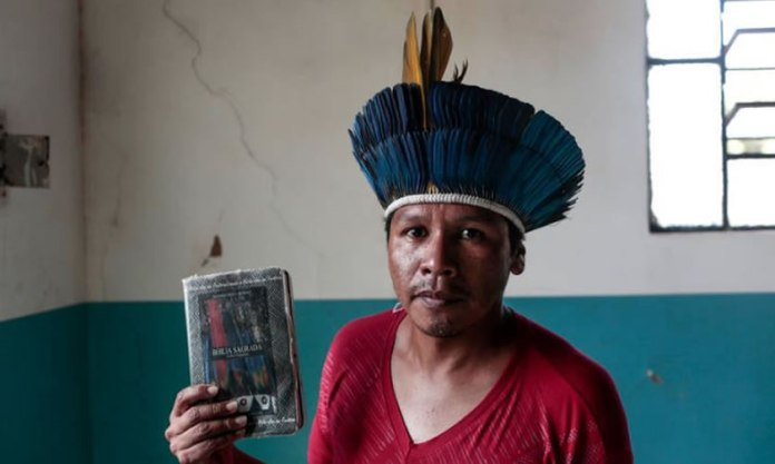 Indígenas que se declaram evangélicos aumentam para 32%, segundo Datafolha