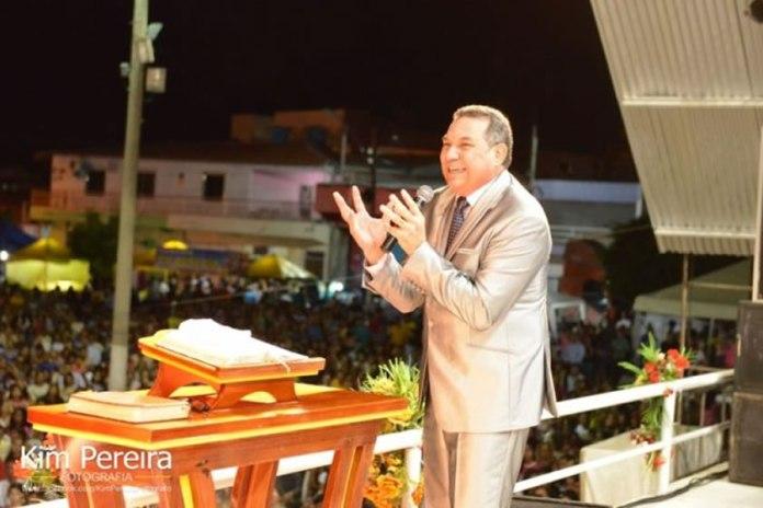 """Profecia se cumpre hoje no Brasil: """"o sepultamento do partido que governava"""""""