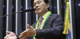 """Takayama faz alerta: """"estão repensando a transferência da embaixada brasileira para Jerusalém"""""""