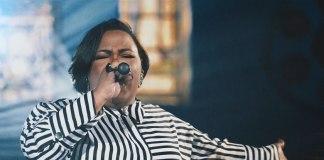 """Jéssica Augusto, cantora do musical """"Rua Azusa"""" lança o single Aviva-me"""