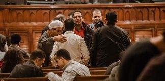 Post blasfemo no Facebook leva cristão egípcio a prisão