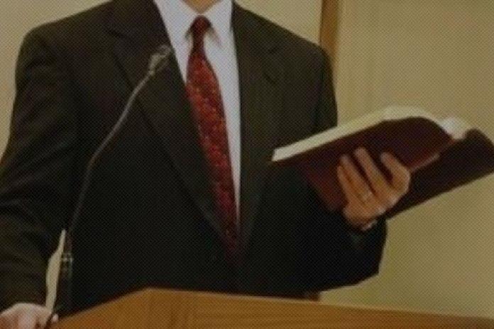 É pecado o pastor evangelizar?