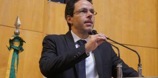 Rafael Favatto destaca papel da mamografia na prevenção