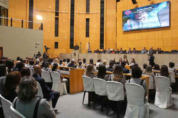 Assembleia Legislativa do ES institui o 'Dia Estadual do Obreiro Universal'