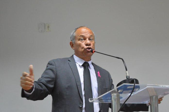 Vereador lamenta invasão a Umef Professor Paulo César Vinha, em Terra Vermelha