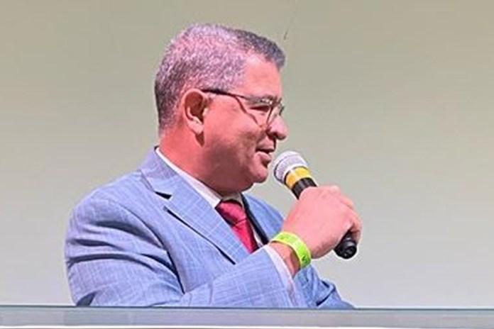 Pastor Álvaro Lima é reeleito presidente da CEMADES