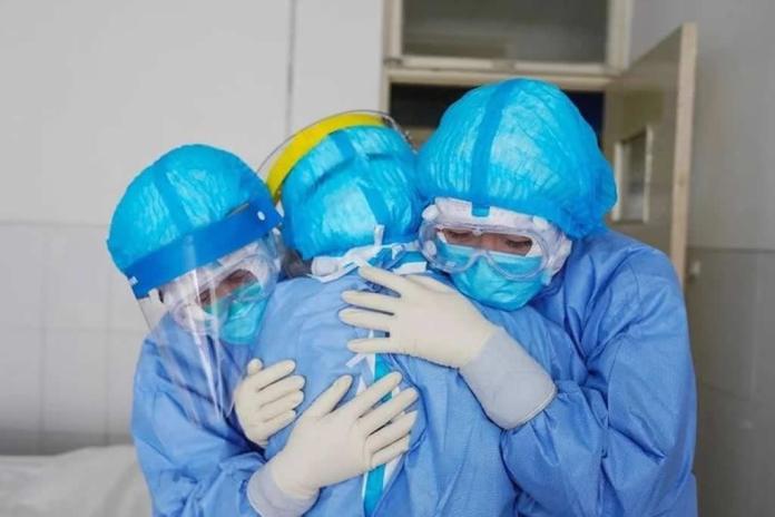 Pessoas infectadas pelo coronavírus têm sido curadas pelo poder de Deus
