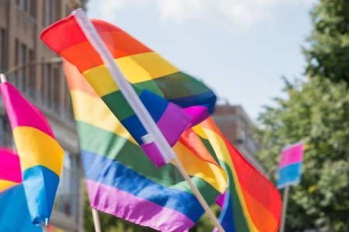 Conselheira tutelar perde cargo por não admitir transexualidade de adolescente
