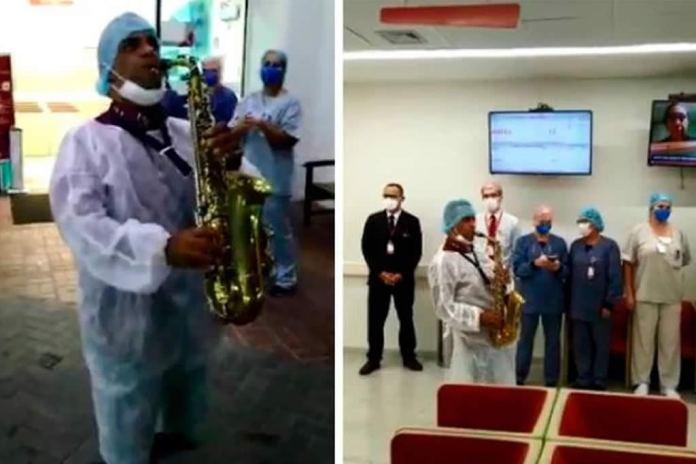 Pastor emociona equipe de hospital ao tocar louvores com saxofone